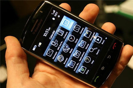 blackberry-storm-touch-screen[1]